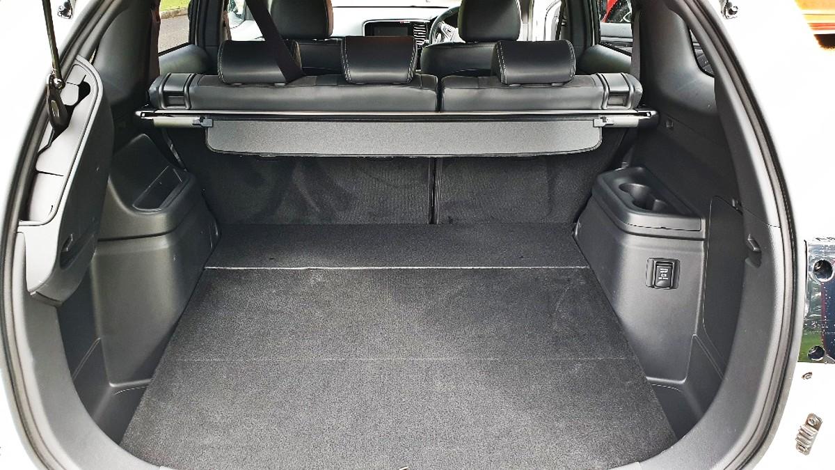 2021 Mitsubishi Outlander PHEV GSR 2