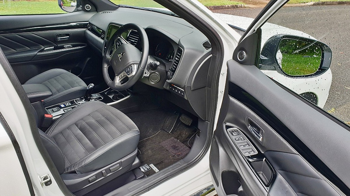 2021 Mitsubishi Outlander PHEV GSR 6