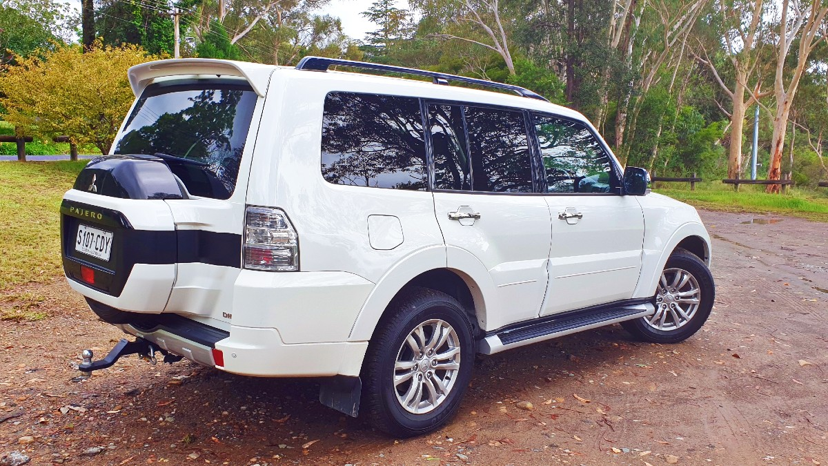 2021 Mitsubishi Pajero GLS 5