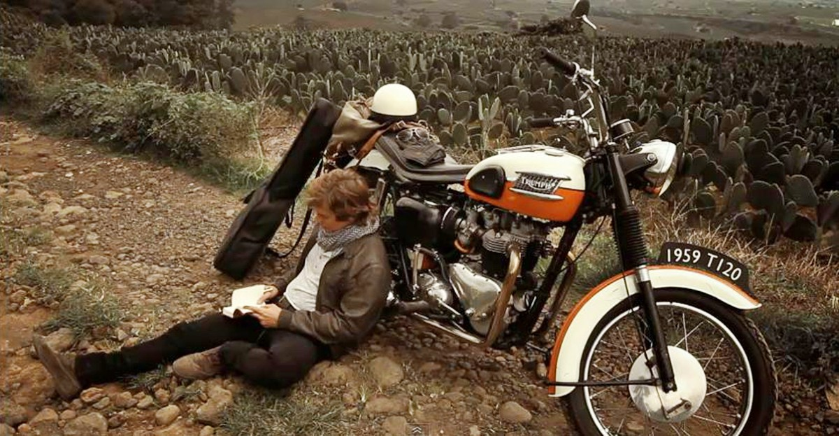 Classic Triumph Bonneville 4