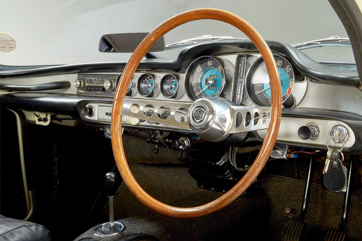 1961 Volvo P1800 2