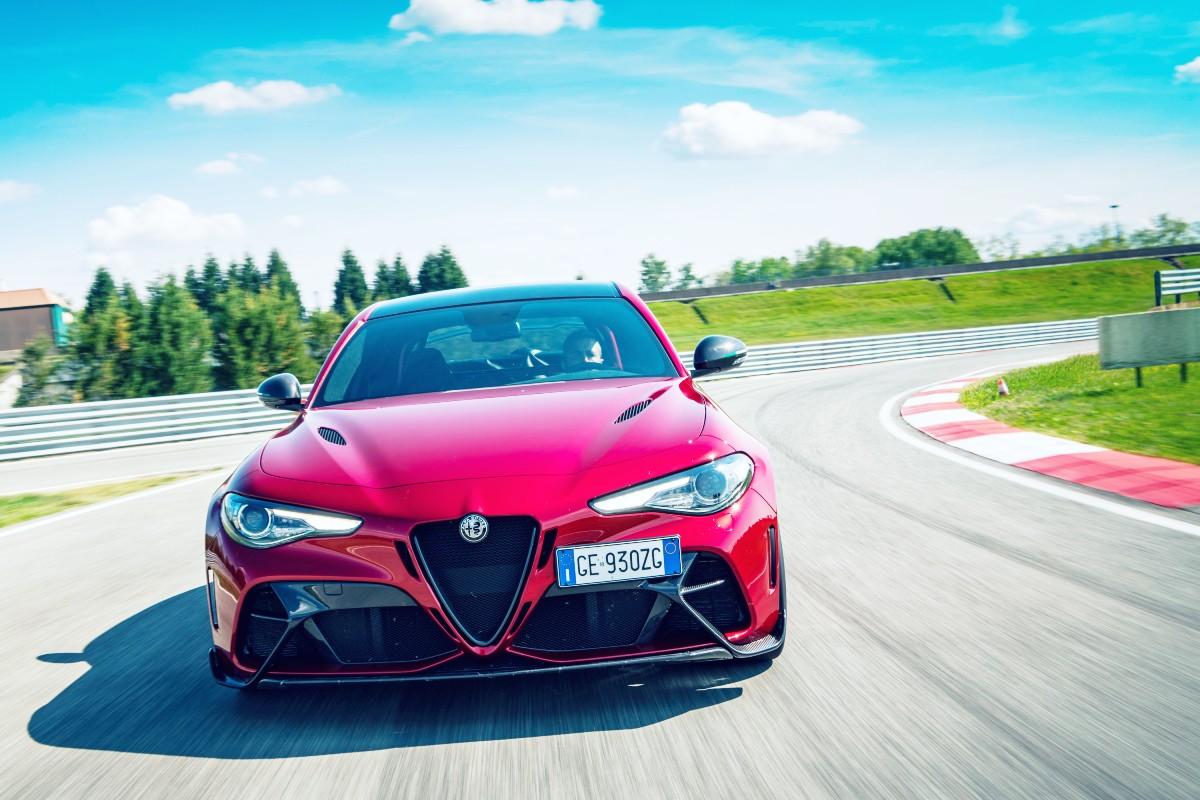 2021 Alfa Romeo Giulia GTA 3