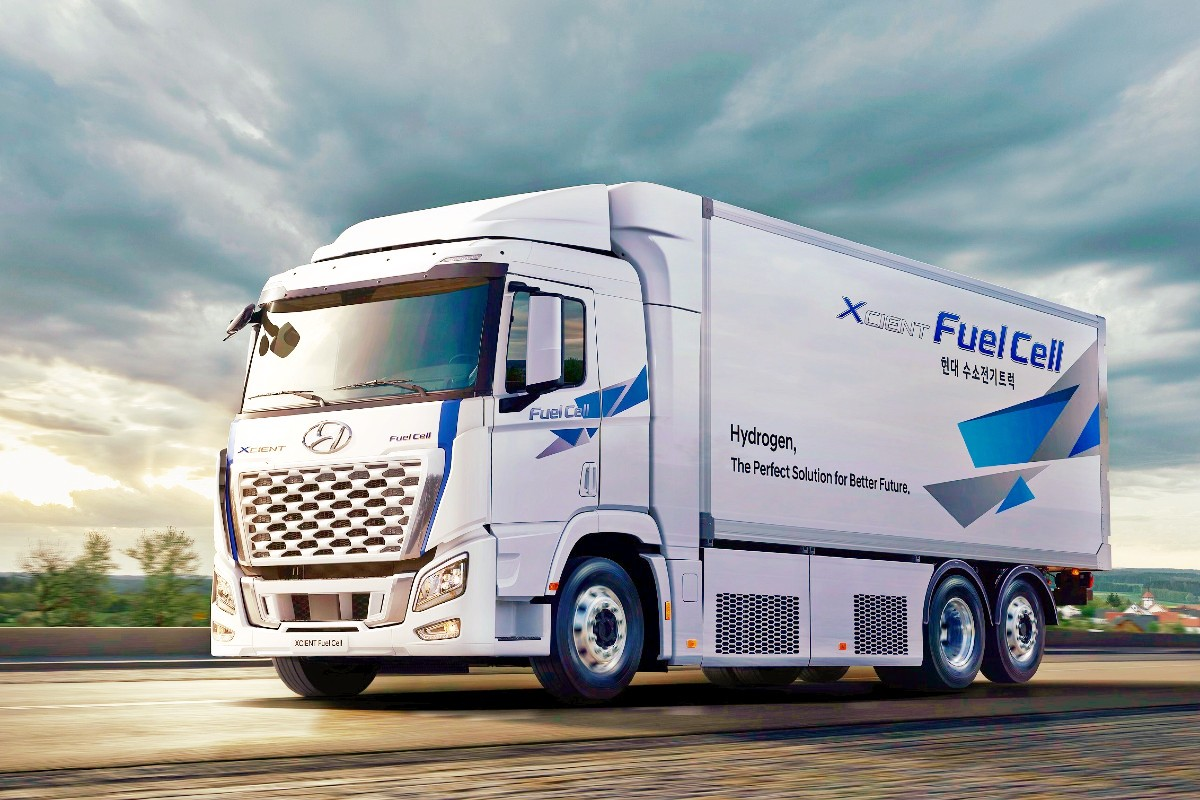 2021 Hyundai XCIENT Fuel Cell Truck 1