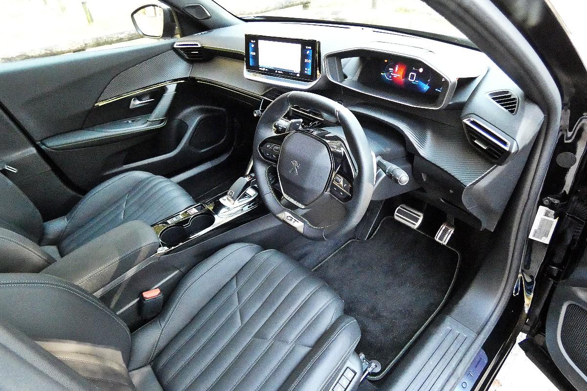 2021 Peugeot 2008 GT Sport 16