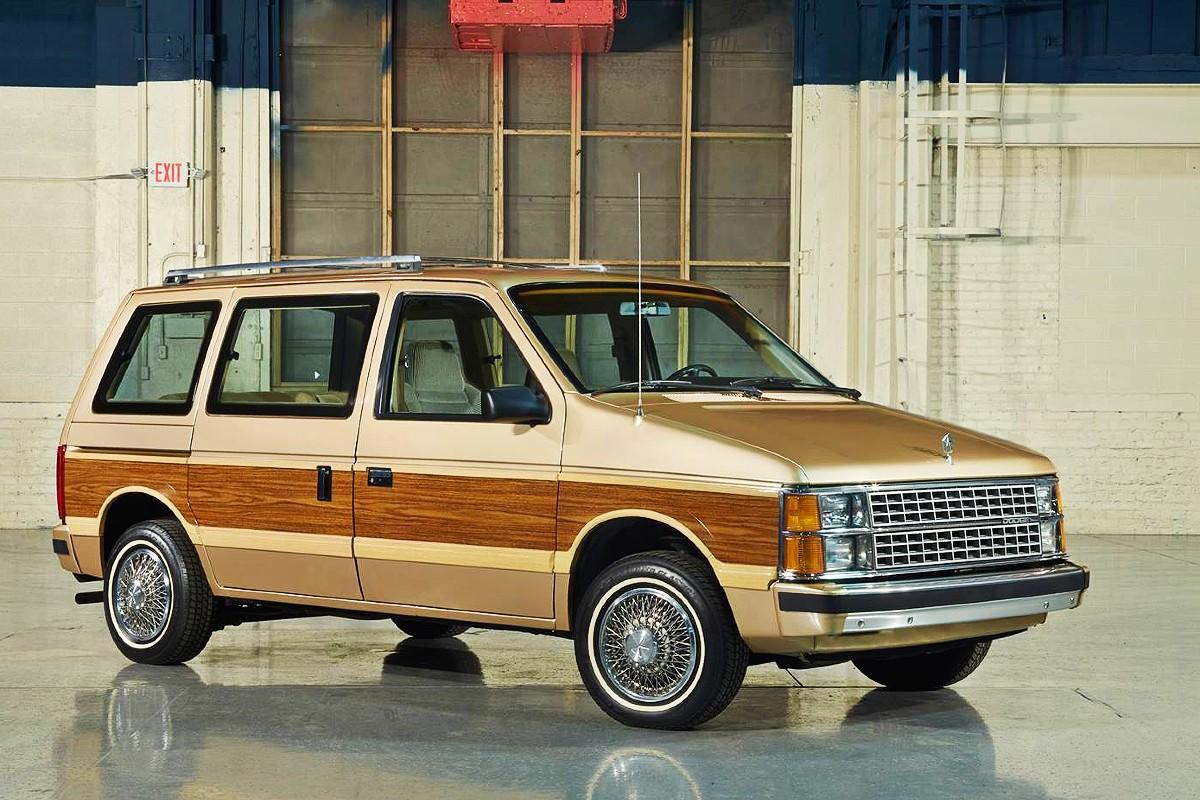 Dodge Caravan 1