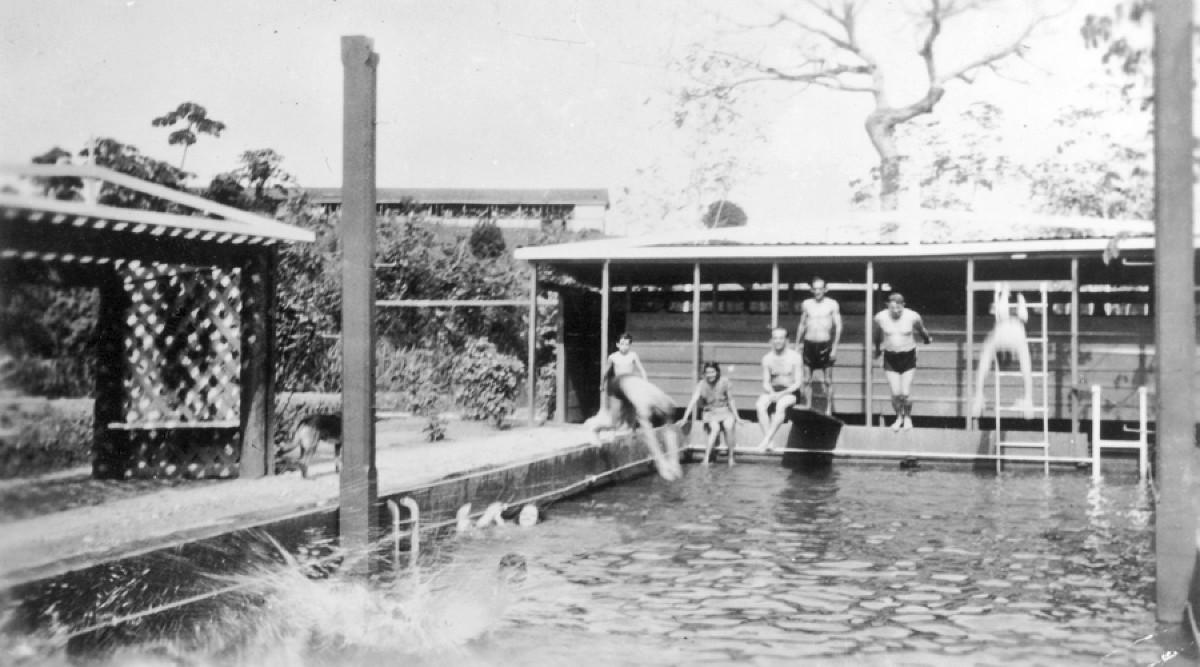 Fordlandia pool