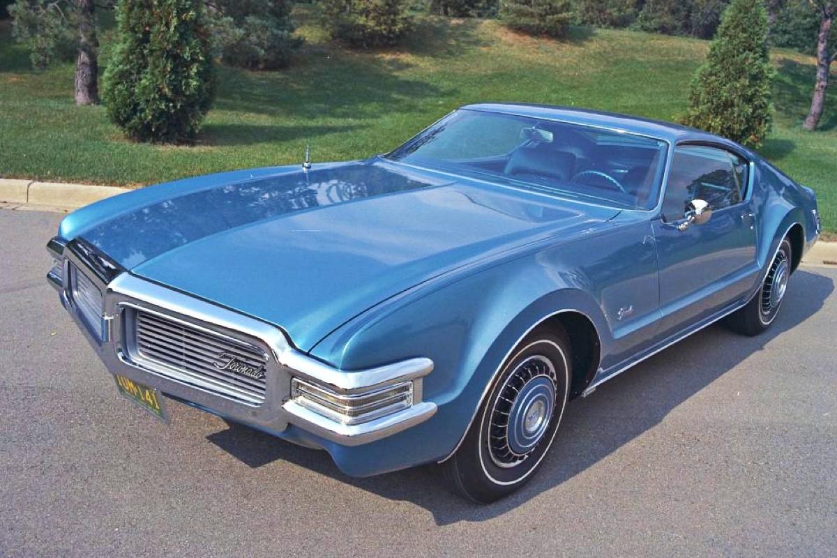 Short 1968 Oldsmobile Toronado 1