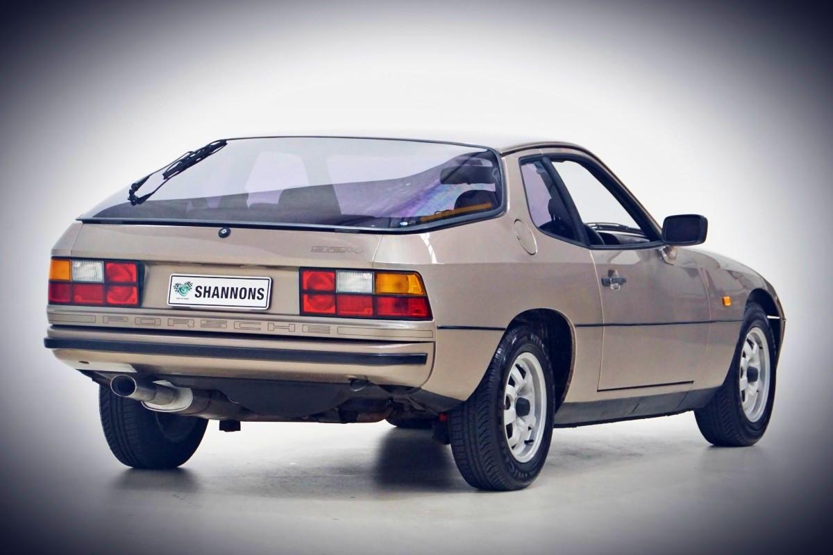 1981 Porsche 924 Coupe 13