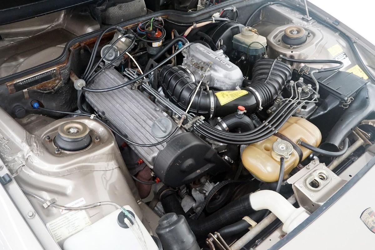 1981 Porsche 924 Coupe 3