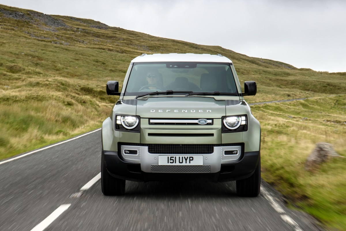 Land Drover Defender fuel cell electric vehicle FCEV 2