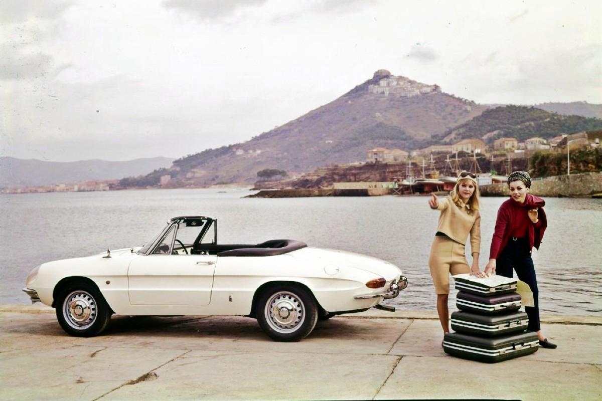 1966 Alfa Romeo 1600 Spider 6