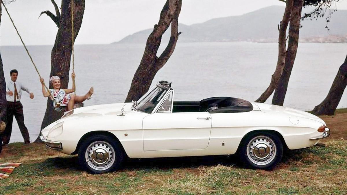 1966 Alfa Romeo 1600 Spider 8