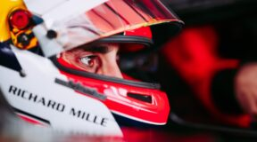 Front lobe probe for Formula E drivers