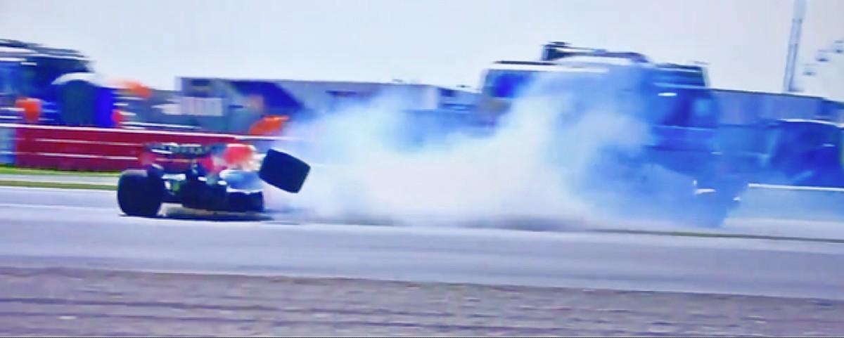 Verstappen crash 1