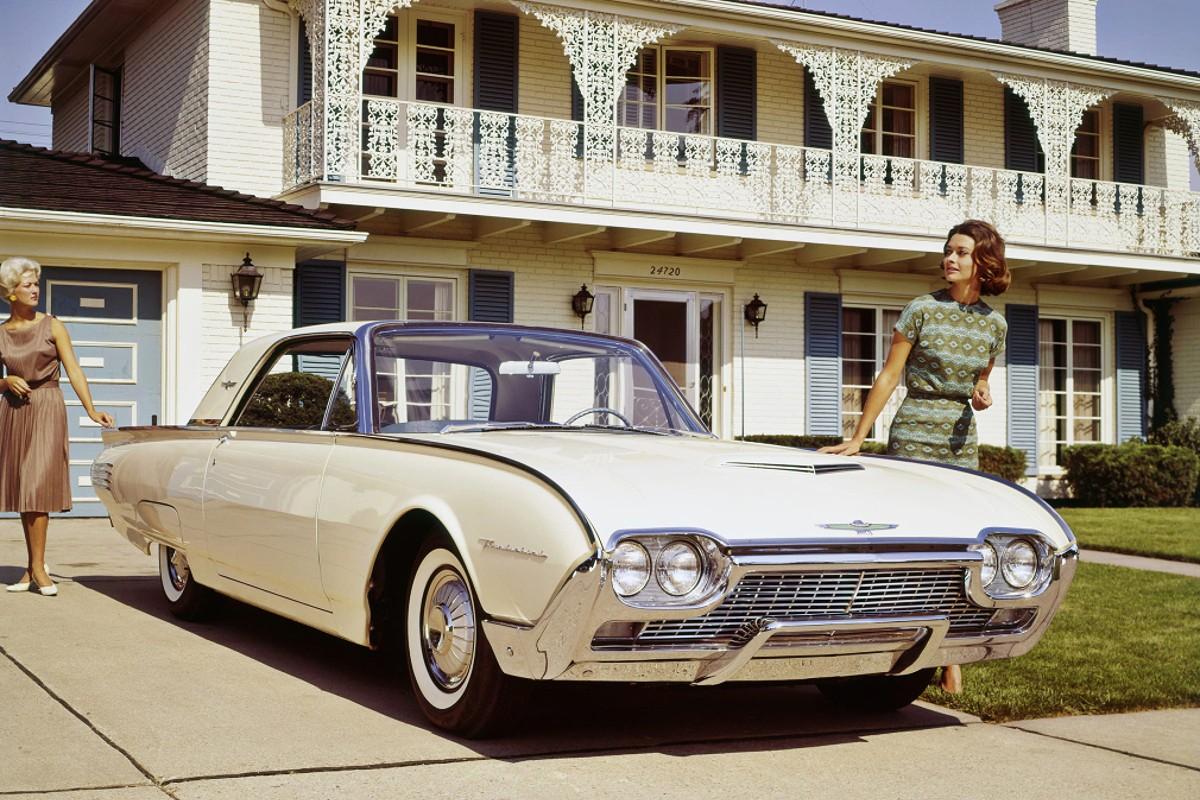 1961 Ford Thunderbird 10