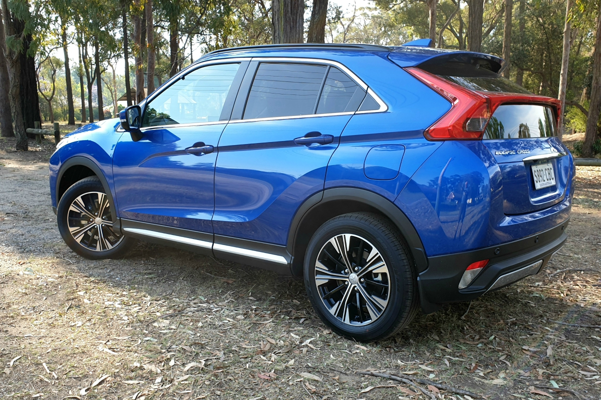 Mitsubishi Eclipse Cross Exceed rear 1
