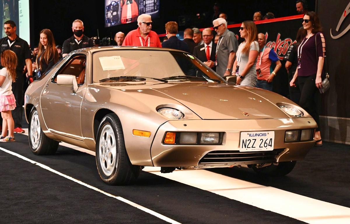 Porsche 928 from 1983 Risky Business movie 11