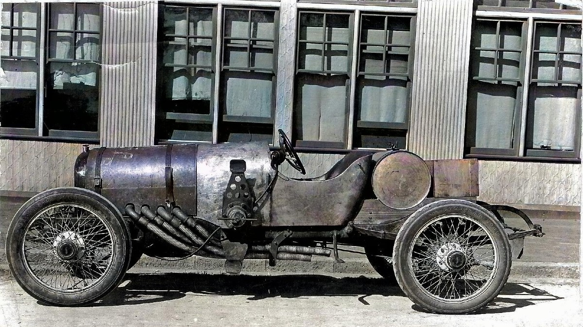 Whitey fitted with V8 Knight engine 1918